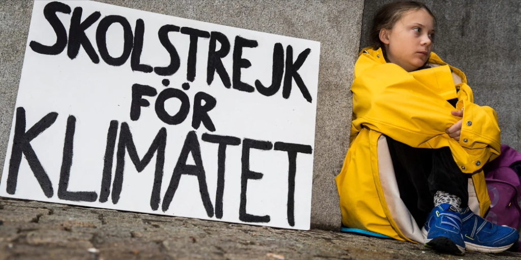 グレタ・トゥーンベリ 『気候変動の為の活動』の抗議としてストライキ